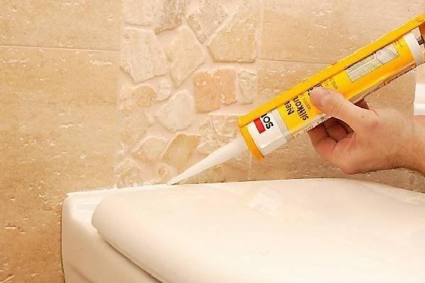 Санитарный герметик для ванной: силиконовый, прозрачный, сколько сохнет