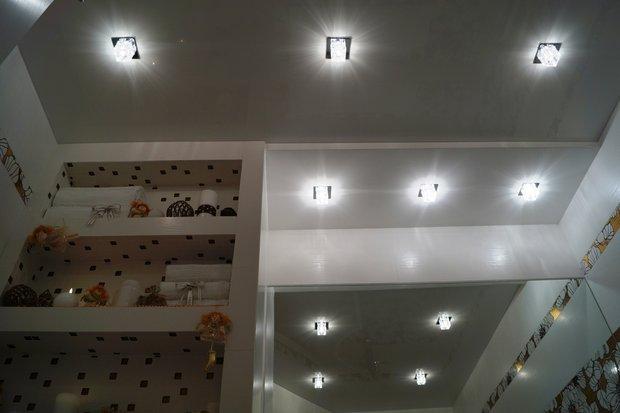 Квадратные светильник в интерьере
