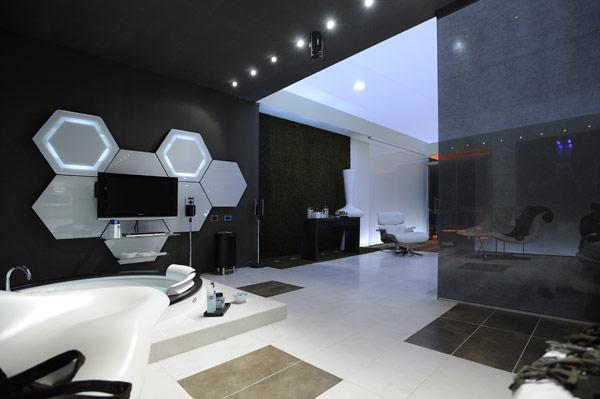 Полное оформление ванной комнаты в стиле хай-тек