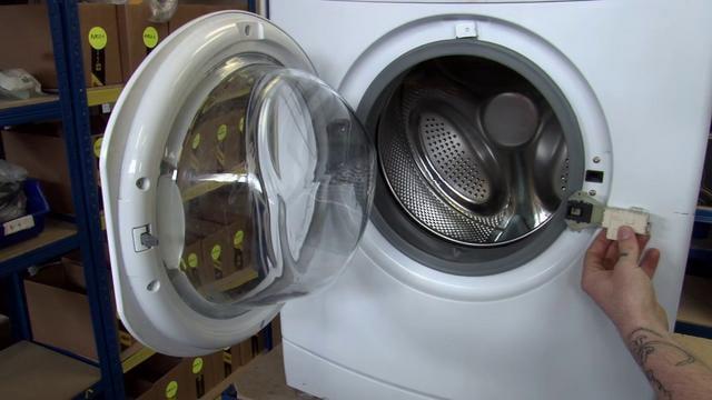 Не блокируется дверь в стиральной машине почему не