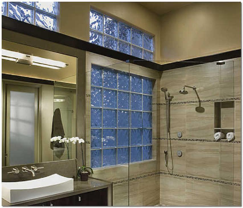 Интерьер ванной комнаты из стеклоблоков