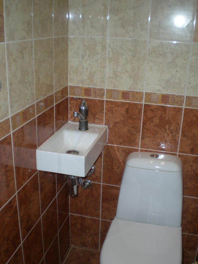 фото маленький туалет с раковиной