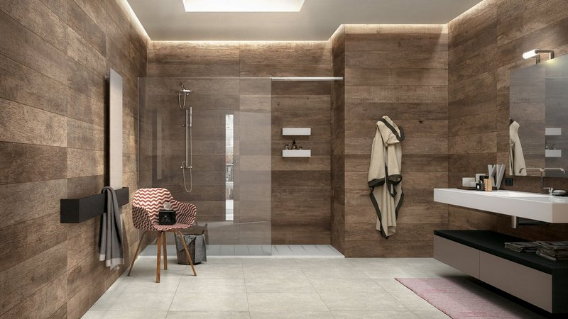 Porcelain tiles on the walls in the bathroom
