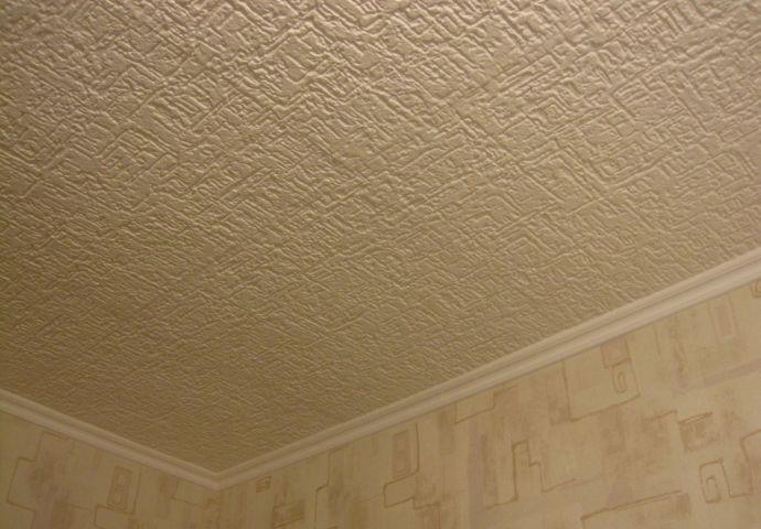 фото бесшовной плитки на потолке