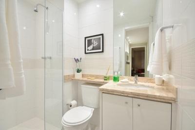 Визуальное расширение пространства в ванной в хрущевке