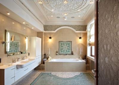 Необычный потолок в ванной