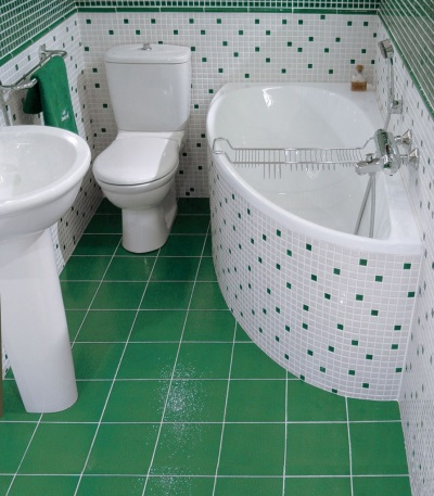 Темно-зеленая ванная комната