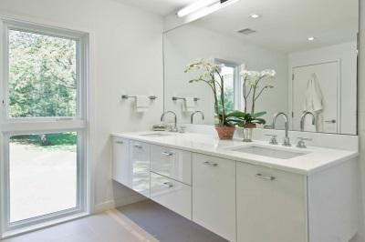 Белая ванная. Чистота и одухотворенность