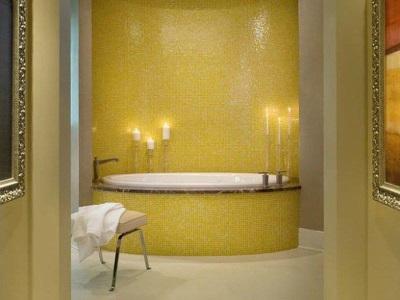 Желтая с медным ванная комната