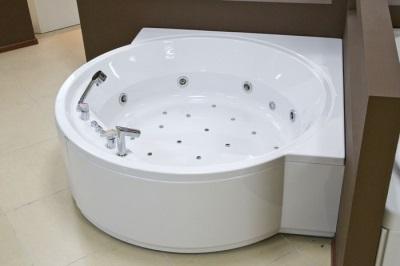Круглая акриловая ванна