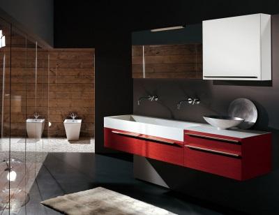 Интересные акценты в черной ванной