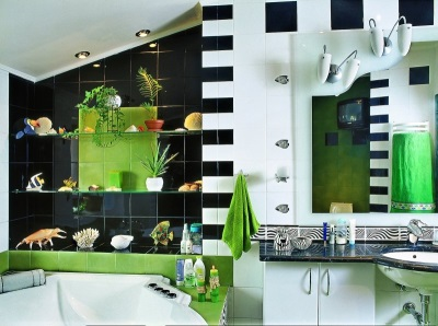 Черно-бело-зеленая ванная