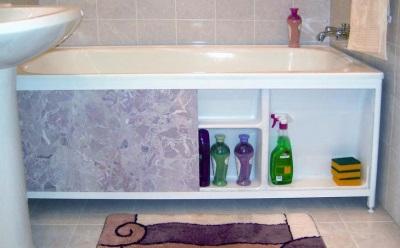 раздвижной экран для ванны с полочками