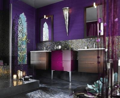 Фиолетовая ванная темных оттенков