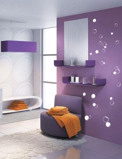Стильная фиолетовая ванная