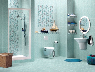 светлая голубая ванная