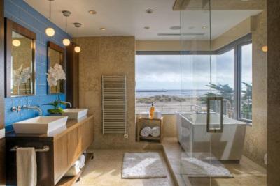Коричнево-голубая ванная