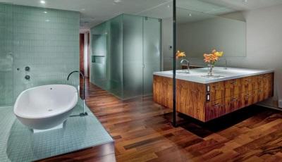 Бирюзово-коричневая ванная