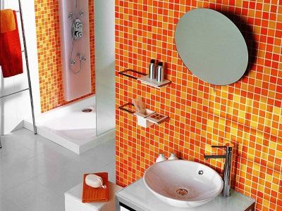Яркая плитка для стен в ванной