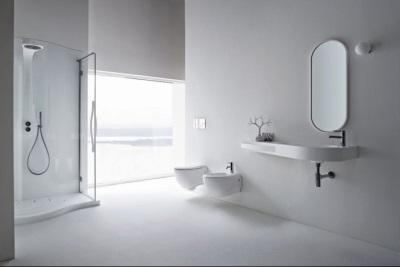 Спокойствие белой ванной комнаты