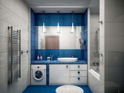 Синяя ванная с белой сантехникой