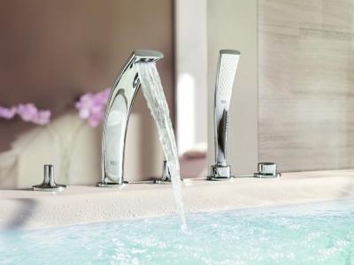 ванна со встроенными смесителями