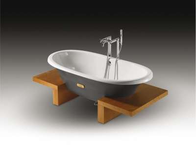 ванна из чугуна производства Roca