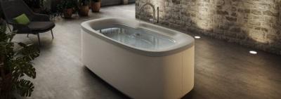 Гидромассажная ванна для маленькой комнаты