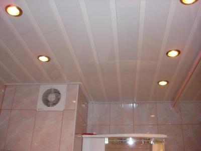 потолочные панели в ванной