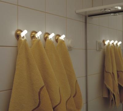 Светящиеся крючки для полотенец