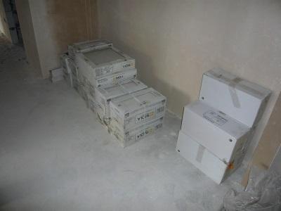Коробки с плиткой