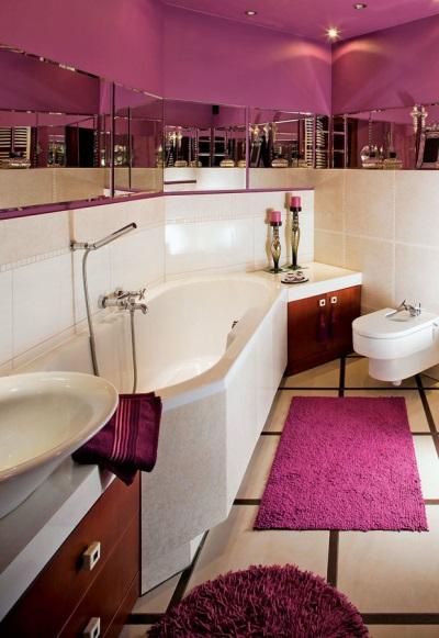 Коврик в небольшой ванной комнате