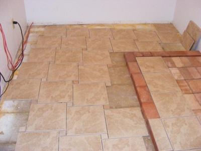 Промежутки у стен при укладки плитки