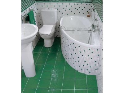 Угловая ванная в интерьере маленькой ванной