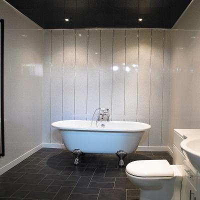 Оформление ванной панелями из ПВХ