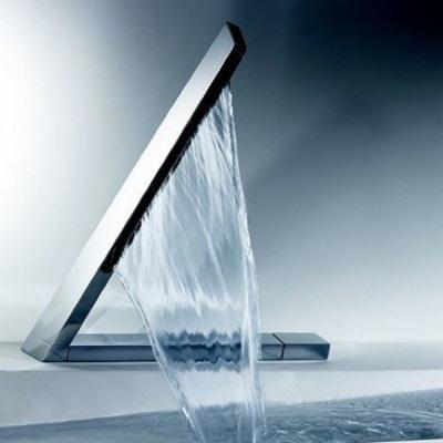 Водопадный смеситель для ванной