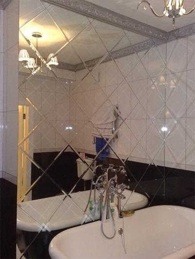 Вариант зеркального панно в ванной комнате