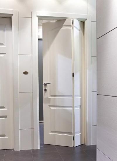 Дверь-книжка из качественного пластика для ванной комнаты