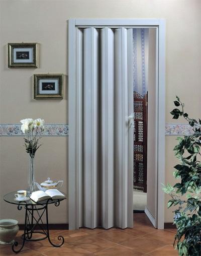 Установленные двери-гармошка для ванной комнаты