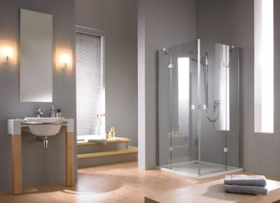 Ванная в стиле минимализм в деревянном доме