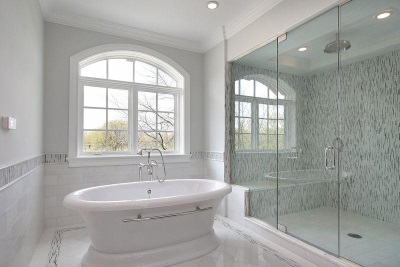 Полностью белая ванная