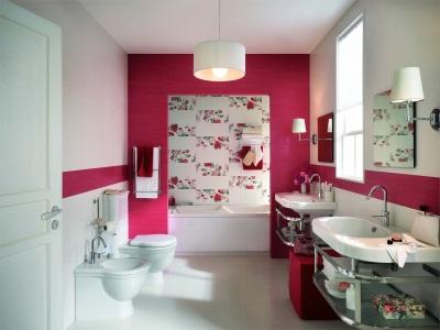 Красная керамика в ванной
