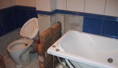 Перегородка в ванной комнате из кирпича