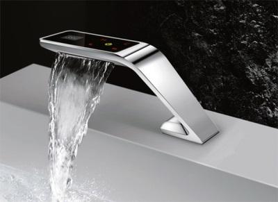 Сенсорный смеситель для ванны