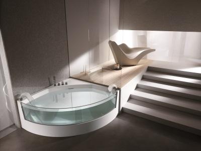 Акриловая ванна со стеклом