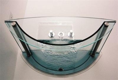 Модель ванной из стекла