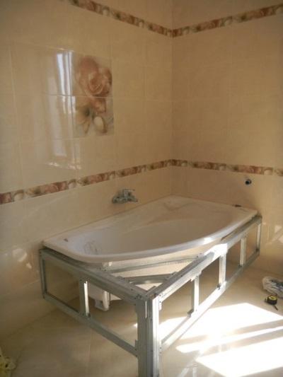 Каркас для ванны из алюминиевых реек и профилей