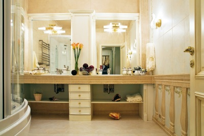 Освещение в классической ванной