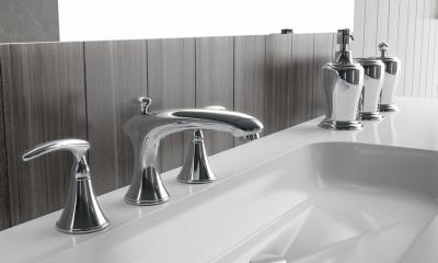 Металлические аксессуары в ванной