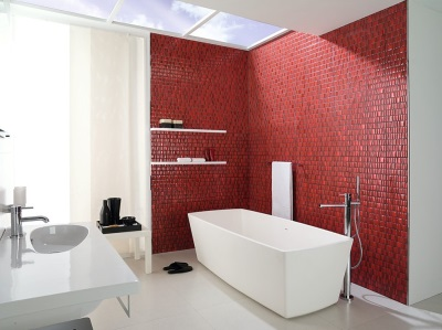 Бордовая ванная комната - эффектная плитка
